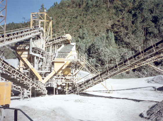 Dust Foam Suppression on a Crusher - After Suppression